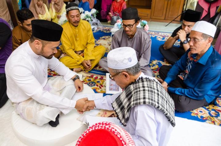 Kahwin; Melayu Kahwin; Azizah dan Effendy