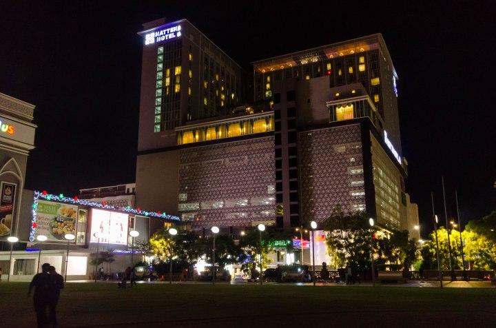 Hatten Hotel and Dataran Pahlawan (2)